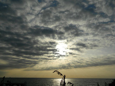 タイダイ(絞り染め)みたいな雲と空