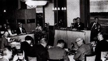 Photo prise lors de la première réunion du Groupe Bilderberg en 1954