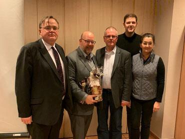 (v.l.n.r.) Ratsmitglied Klaus-Peter Kunze, Olaf in der Beek MdB, Ortsvorsitzender Harald Stützlein, Kreisvorsitzender Patrick Büker und die stellv. Kreisvorsitzende Silke Wehmeier