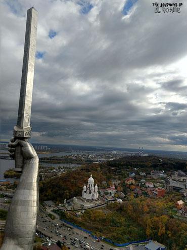 Blick von der Aussichtsplattform der Mutter-Heimat-Statur