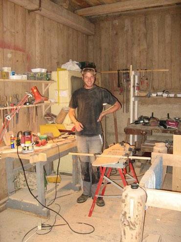 Bild von mir in der Werkstatt in Slowenien