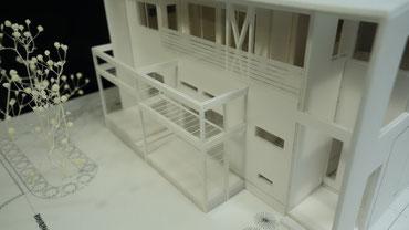 住宅模型のバルコニー周りの拡大画像