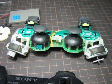 PS3コントローラーの内部基盤