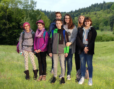 Gespannt auf das Probenwochenende. Die MVB-Reisegruppe kurz vor der Abfahrt in Bruchhausen.