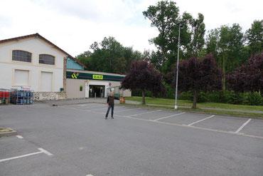 Le marché se tiendra sur le parking de l'enseigne 8 à Huit, rue de la Gare.