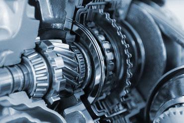 Gehärteter Edelstahl wird unter anderem im Automotive Bereich verwendet.