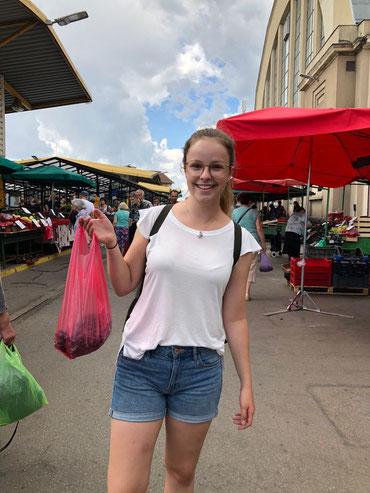 Irinas Ausbeute: 1 Kilo Blaubeeren für 3 €