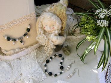 Von Herz und Hand Brigitte Helbig, handgemachter romantischer Schmuck aus natürlichen Materialien