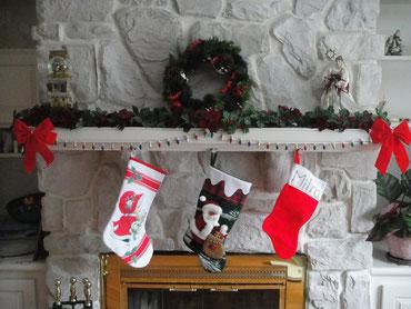 Weihnachtssocke am Kamin