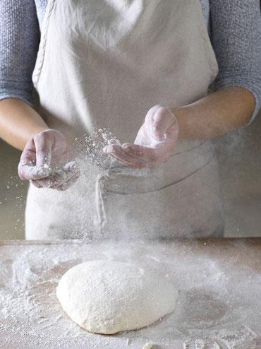 Fooddesign - Bei der Arbeit... Das Einkaufen, Vorbereiten und Anrichten gehört ebenso zu den Aufgaben wie die Tätigkeit als Mietkoch, Mietkonditor und Mietpatissier.