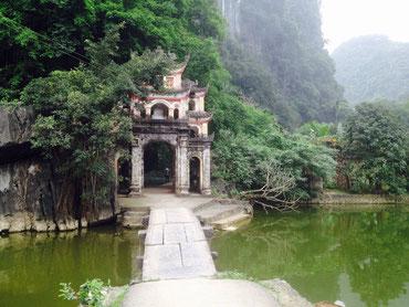 Bich Dong Pagoda a Tam Coc (Photo by Gabriele Ferrando - LA MIA ASIA)