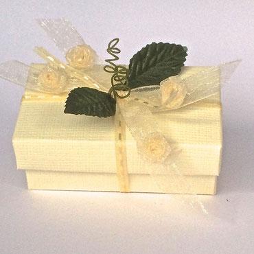 kleine Schachtel beige / creme Hochzeit Gastgeschenk