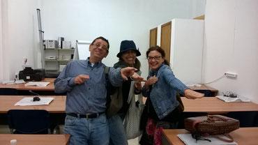 Fernando, Kala y Rocio (la profesora)