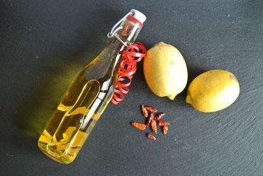 Zitronen-Chili-Öl aus Zitronenschale