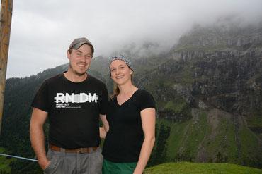 Das Älplerpaar Sepp Herger und Andrea Gysin.