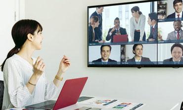 大きな画面をつけてリモートワーク 会議などで使う
