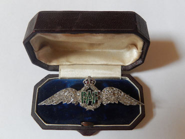 sweet heart badge RAF ww2
