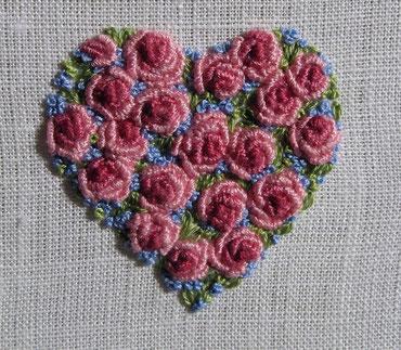 Rosenherz nach einer Vorlage aus A-Z Embroidered Motifs