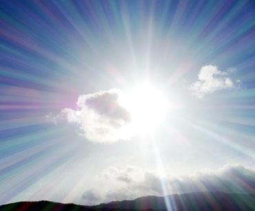 光老化(酸化ストレス)とは、光(紫外線・青色光)を浴びることによって発生する「活性酸素」の ダメージから起こる老化(酸化)のことです。