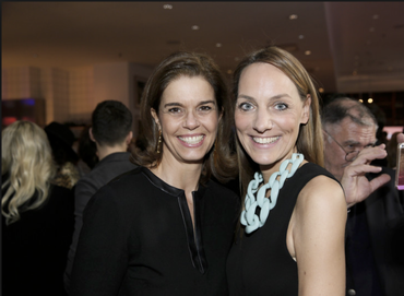 """Dress UP: Christina (rechts) mit klarem Statment zur Kette beim Gala-Fashion-Brunch. (Foto:: Axel Kirchhof für """"Gala"""")"""