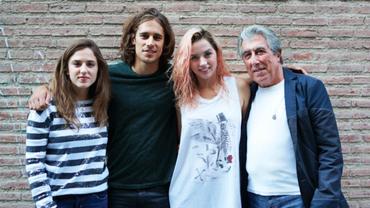 Jordi Sierra i Fabra (dreta) amb els actor de la pel·lícula