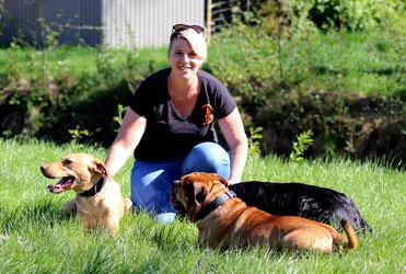 TANJA Spürhundeführerin von CODY und ESCO