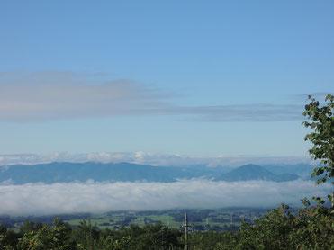 「やや雲海」の下に見える雫石の町の緑が美しいです