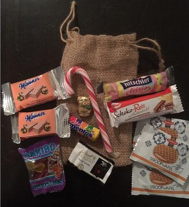 Zum Naschen: Ein Jutebeutel voll Süßigkeiten