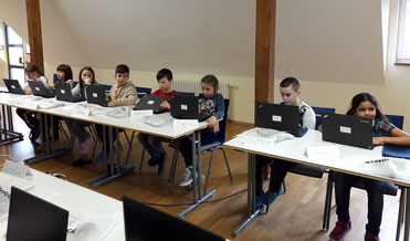 Diesterweg-Stipendiat:innen beim Computerworkshop