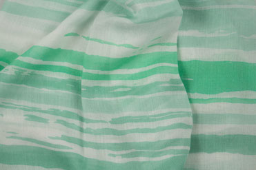 Schal gruen weiß gestreift