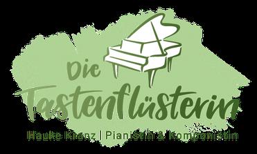 """Logo """"Die Tastenflüsterin, Schriftzug und Flügel, grün auf weiss"""