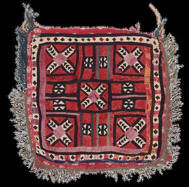 Kelim Teppich. Zürich. At Torba Ilgich, Tadjikistan, textile antique. antique and nomad rug. tapis et kilims nomades, Zurich Suisse, www.kilimmesoftly.ch.