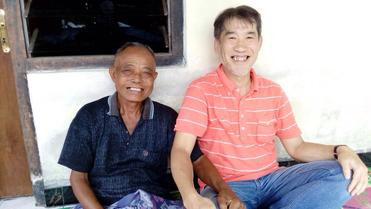 田んぼで出会った、ゴング・アンクルンのグループでは長老格の1人、今年74歳になるイ・ワヤン・ジャポさんと