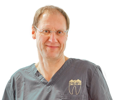 Zahnarzt Andreas Hirschfeld, Implantate, ästhetische Zahnheilkunde, Mundgeruch, Prophylaxe