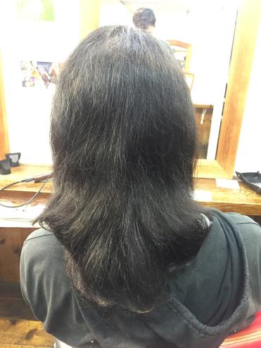 横浜の無責任美容師☆奥条勇紀☆髪に優しいなんて言われる美容室の薬・・・実はとっても危険な薬!