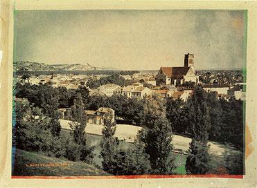 AGEN, un des premiers paysages photographiques en couleurs connu. (tirage en phototypie d'après les clichés originaux de 1877, Musée d'Agen).