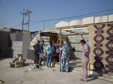 クルド人自治区アルビルで、都市難民の実態調査をするIVYスタッフ