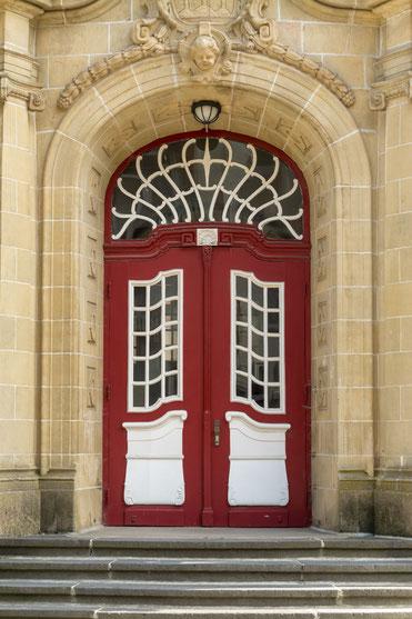 Wer darf hier rein? Foto-Credits: Ende des Artikels.