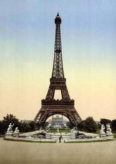 Der Schein trügt: eigentlich gibt es viel mehr Menschen in Paris.
