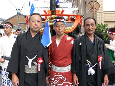 写真中央 出島町くんち奉賛会実行委員長の馬場政隆さん