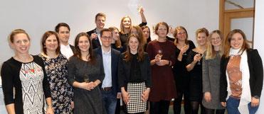 Die Referendarinnen und Referendare hoben den starken Zusammenhalt in ihrem Kurs hervor. Bild: Ulrichs