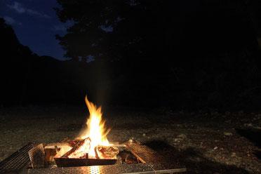 キャンプ夜