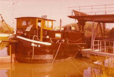 Aufgrund des angebrachten Eichzeichens SN914SA ist dieses Bild aus dem Fotoalbum der ehemaligen Eignerfamilie zwischen dem 14.06.1971 und dem 22.07.1982 aufgenommen worden.