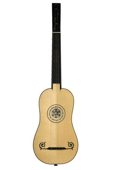 Gwen Tual- classical guitar