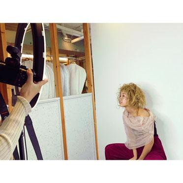 横浜 石川町 美容室 Grantus セミロング レイヤースタイル グレージュカラー 撮影 クリエイティブ
