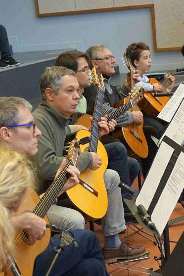 Ecole de musique EMC à Crolles - Grésivaudan : concert des guitaristes Les Arpèges.