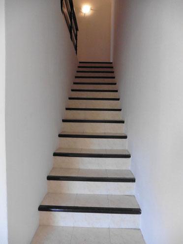 Treppenaufgang zur 1. und 2. Etage