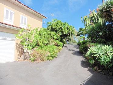 Zufahrt zum Vorhof
