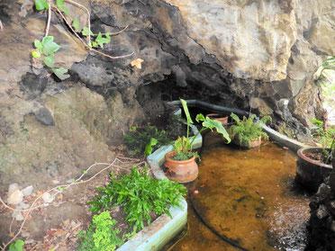 Natursteinhöhle