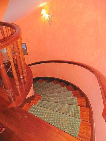 Wendeltreppe in das Untergeschoss
